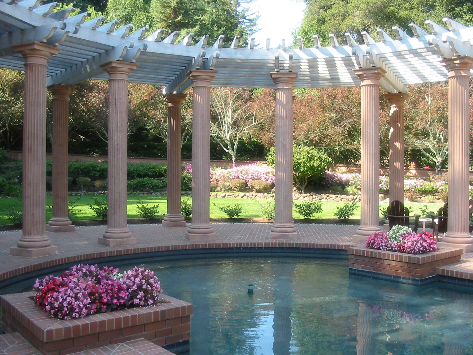 Maintain good looking and attractive landscapes