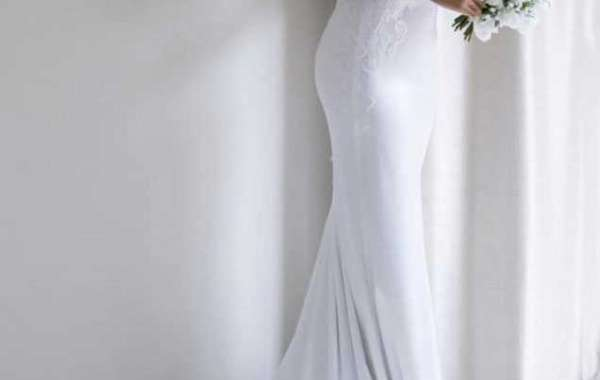 Choose a wedding attire to look attractive on the wedding
