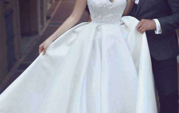 Fascinating glittering wedding gown is ready for you to wear during your wedding day