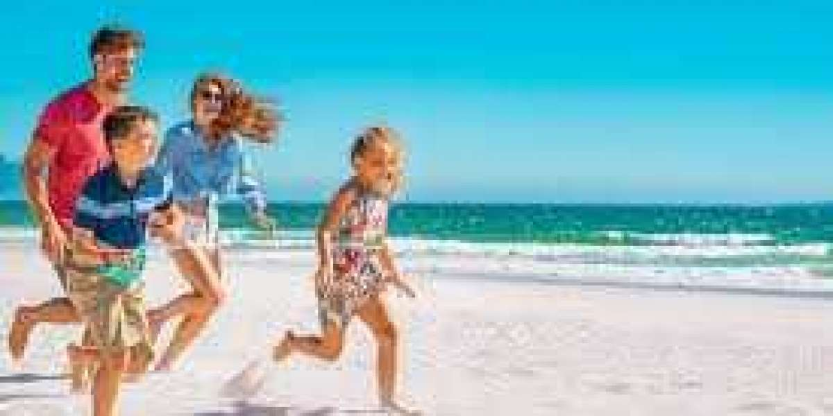 How to spend a day with your family at the beach?