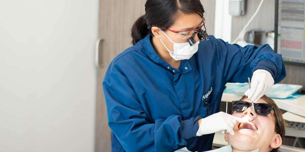 Choose Professional's Service For Teeth Enhancement