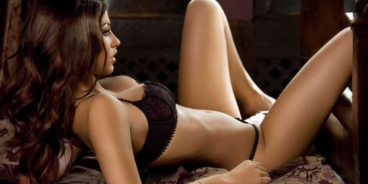 Get Best Bangalore Escort As Your Partner for Visiting to Nightclub!