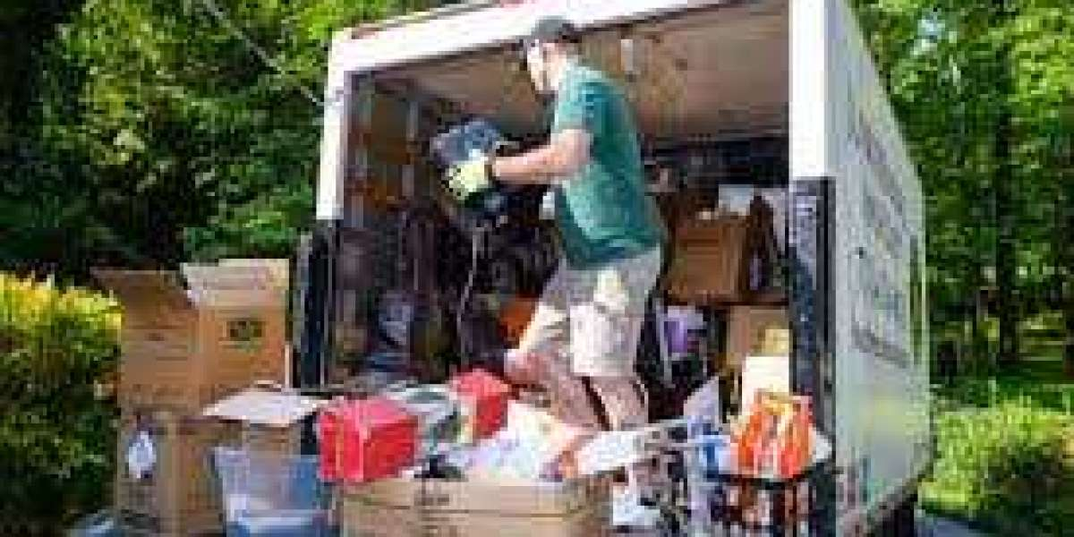 All about hiring the professional junk removal company